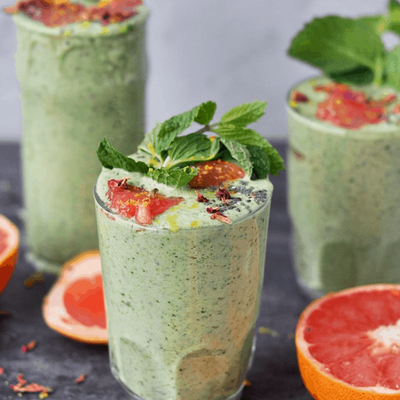 GREEN SPINACH AND MINT SMOOTHIES