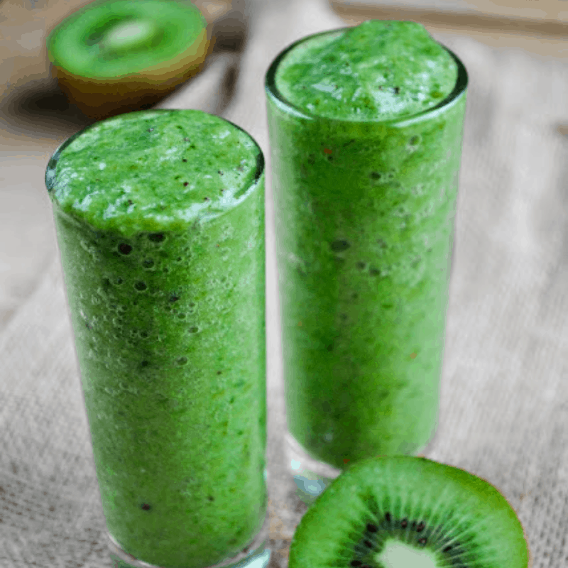 Refreshing green kiwi smoothie