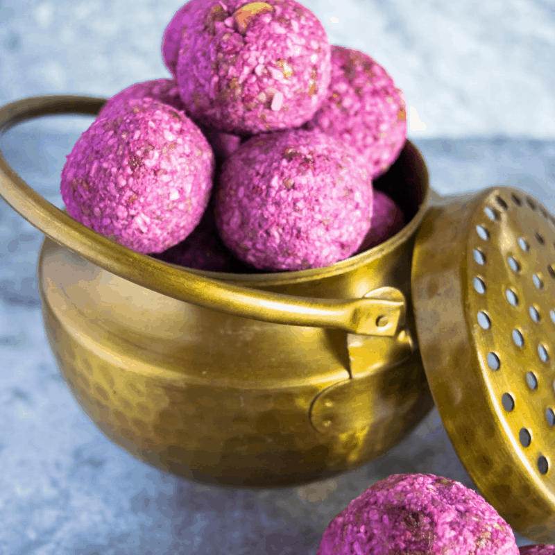 7-vegan-no-bake-raspberry-energy-bites